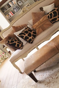 cowhide-cushion
